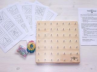 математический планшет с резиночками и схемами