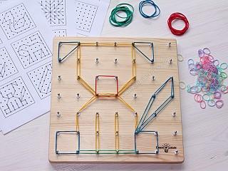 математический планшет с резиночками, игры для детей в домашних условиях